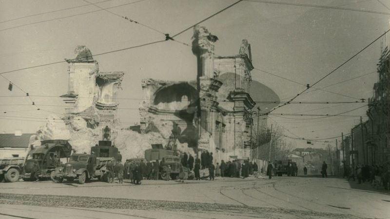Разрушение Николаевского собора