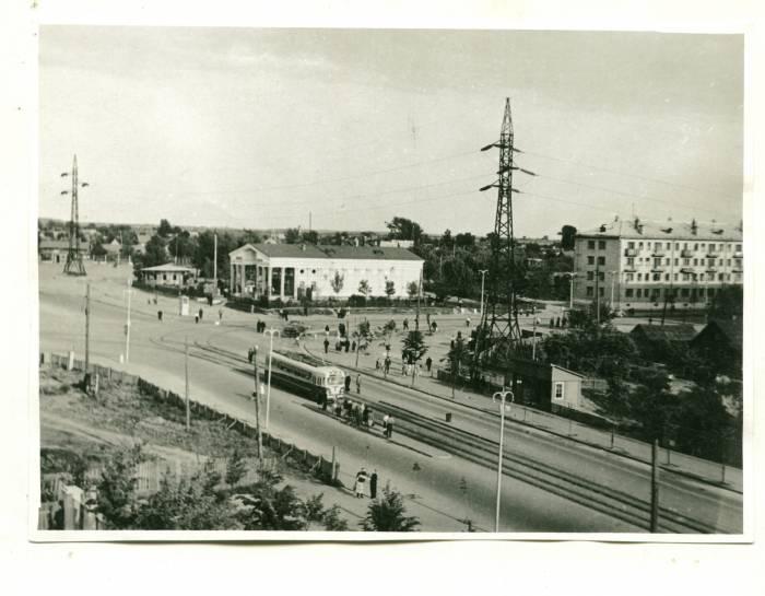 военное фото проспекта черняховского