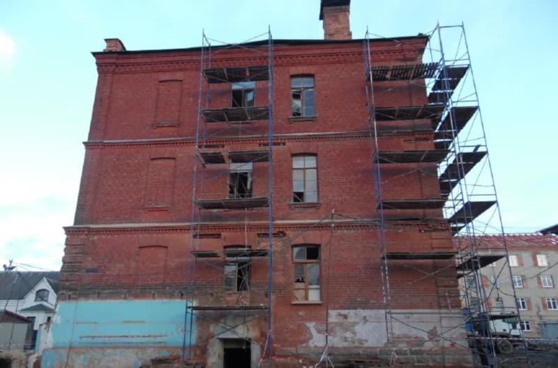 Здание бывшего корпуса городской больницы