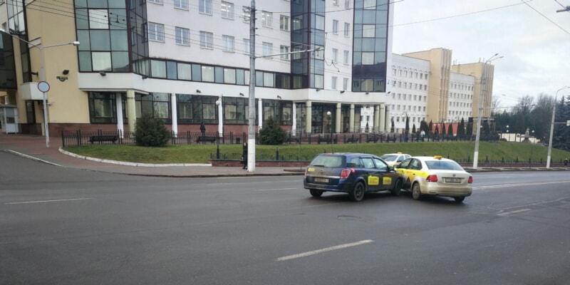 ДТП с такси на проспекте Фрунзе