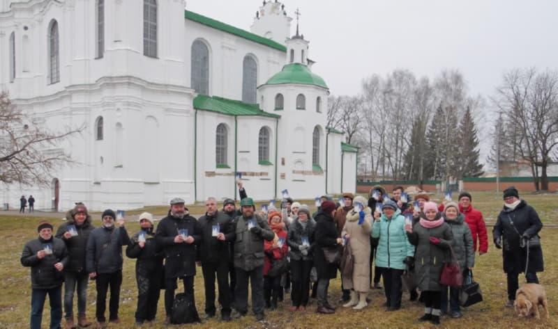 Фото на память с историком возле Софийского собора