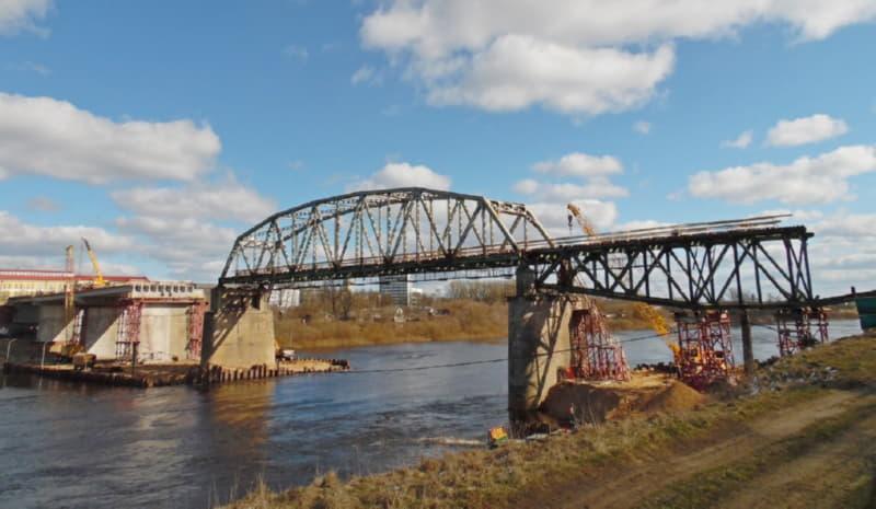 В Полоцке продолжают строить мост