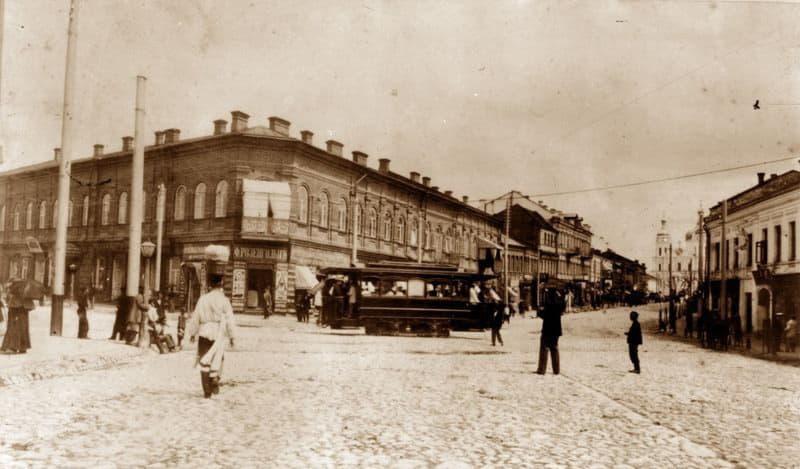 Трамвай на Замковой улице в Витебске в начале ХХ века
