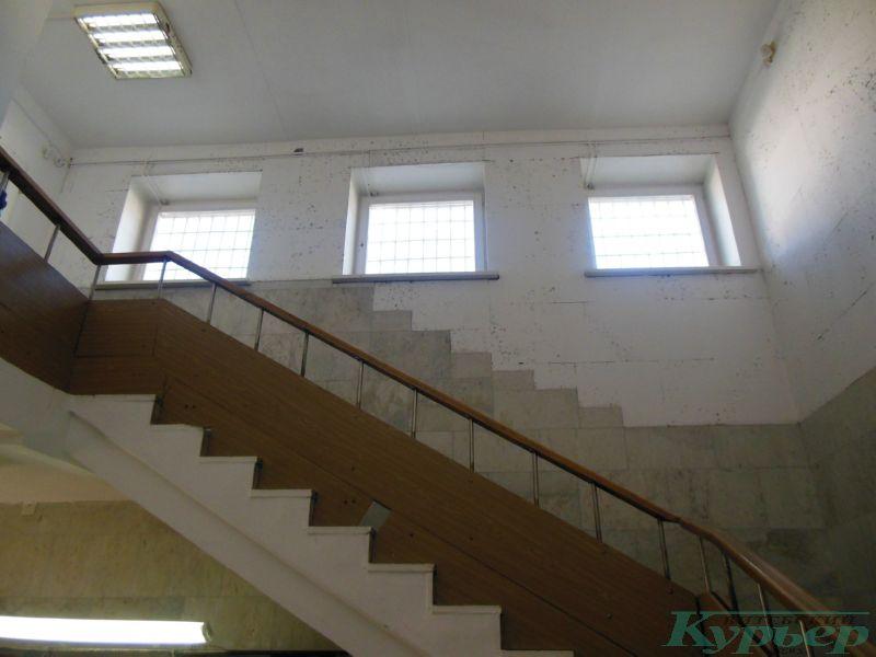 Подъем на второй этаж в Весте
