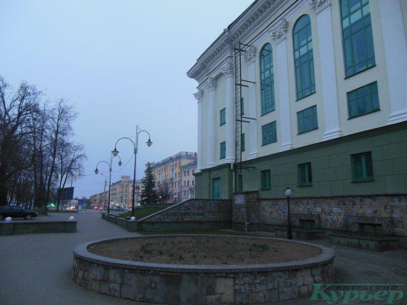 Бывший кинотеатр Октябрь сбоку
