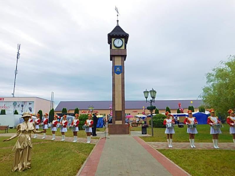 Башню с часами в Дубровно установили в 2018 году