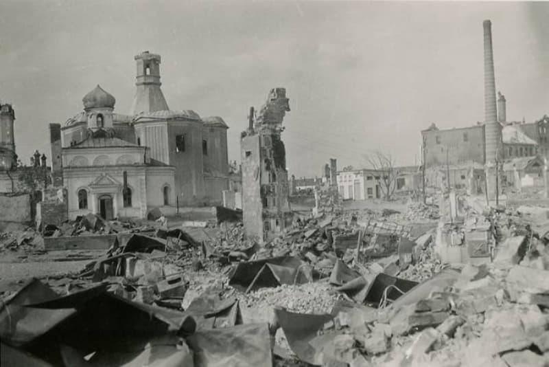 Ильинская и Покровская церкви в 1941 году