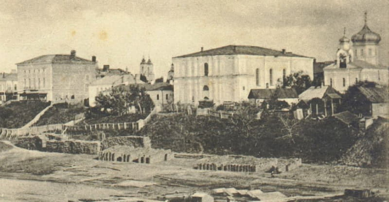 Первоначально архив в Витебске размещался в здании бывшего фарного костела