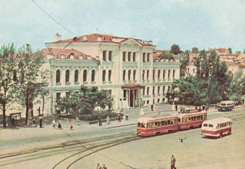 1962 год. Трамвай на площади Свободы