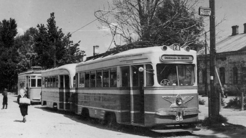 1955 год. Трамвай на Большевистской улице
