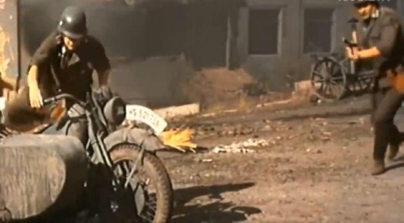 Сцена с немецкими солдатами в развалинах кожзавода