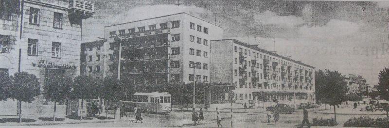 1968 год. Улица Жесткова и дом № 1 по улице Ленина