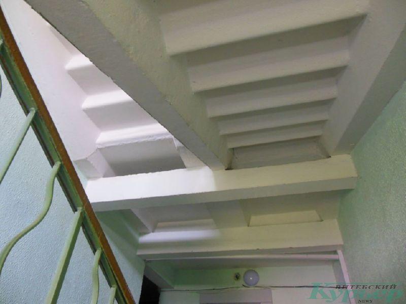 Лестницы в 9-этажке на площади Победы