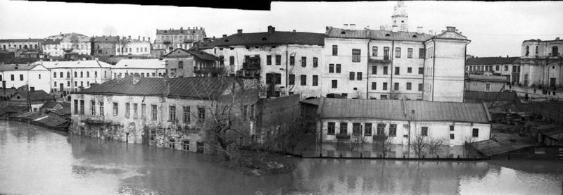 Набережная Витьбы во время наводнения 1956 года