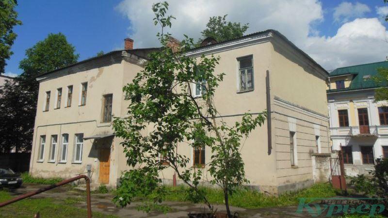 Димитрова, 9 со двора