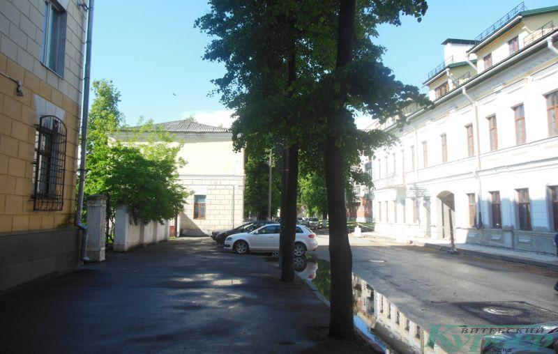 Торец дома № 9 по улице Димитрова