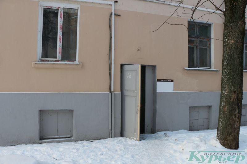 4-й коммунальный дом. Дверь без домофона