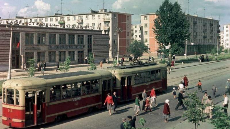 """1960-е годы. Трамвай у кафе """"Спутник"""""""