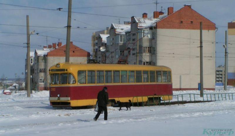 2005 год. Трамвай на кольце проспекта Фрунзе