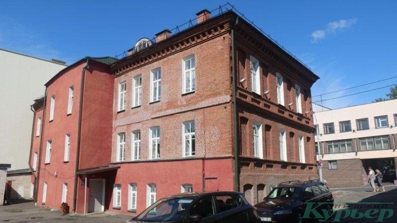 Бывшая школа № 1. Вид сзади