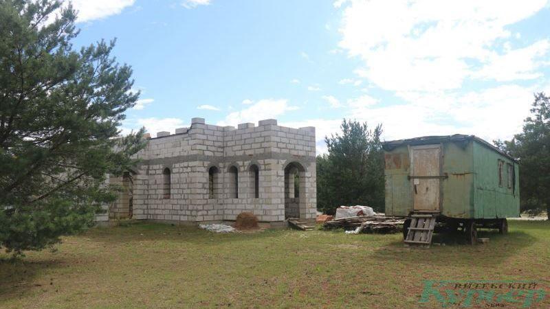 Строительство храма на кладбище в Коптях