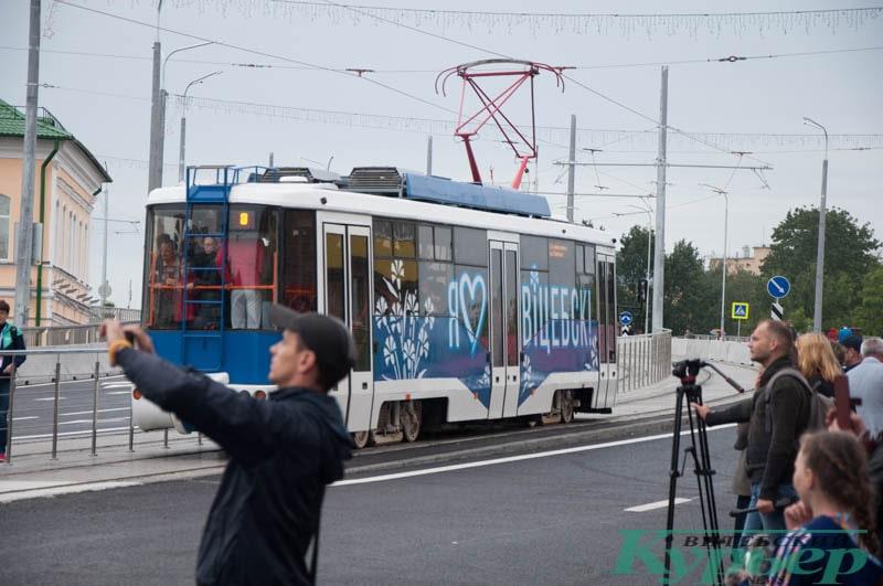 трамвай на полоцком путепроводе