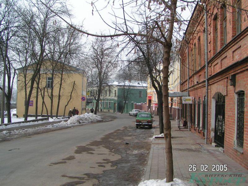 Улица Толстого в 2005 году