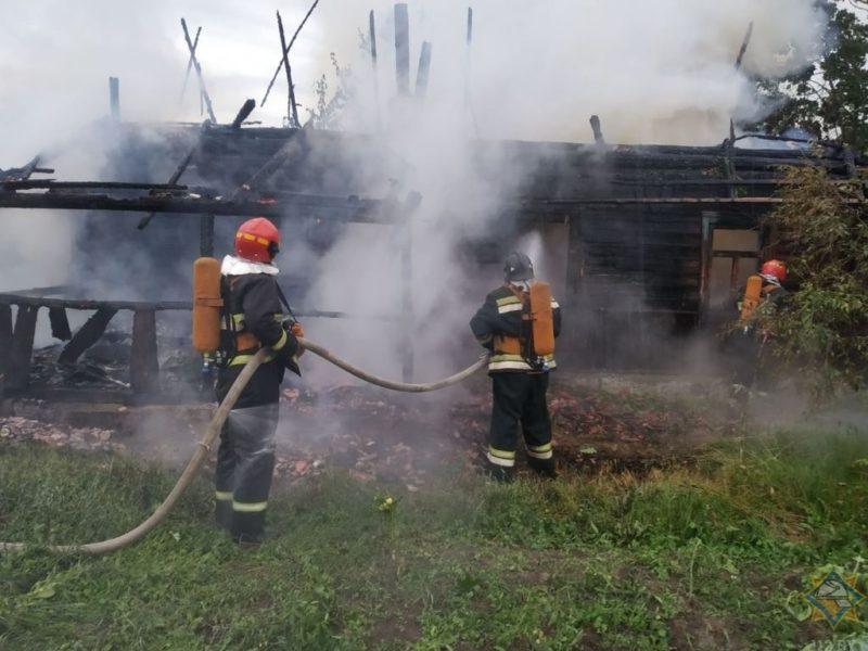 В Глубокском районе на пожареВ Глубокском районе на пожаре