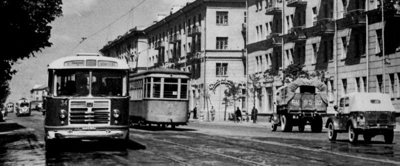 1959 год. Автобус ЗИЛ-158 на улице Ленина