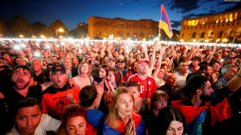 """""""Бархатная революция"""" в Армении"""