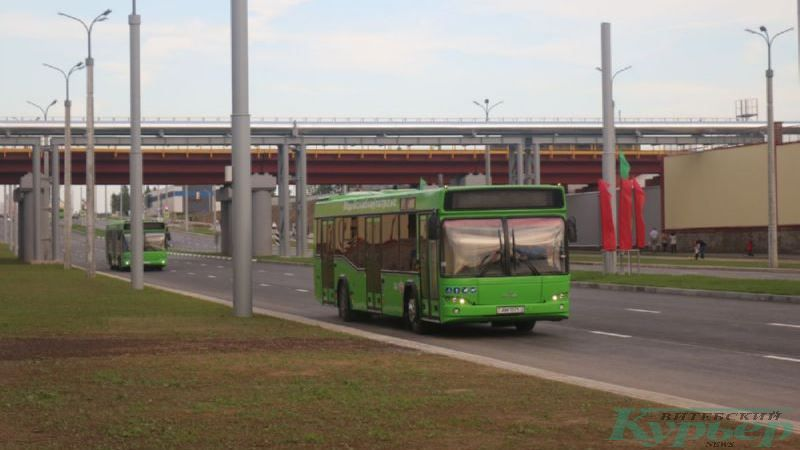 Первые автобусы на новой магистрали