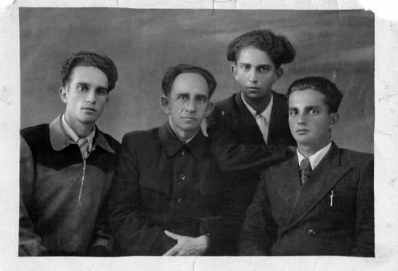 Отец и сыновья Файнберги