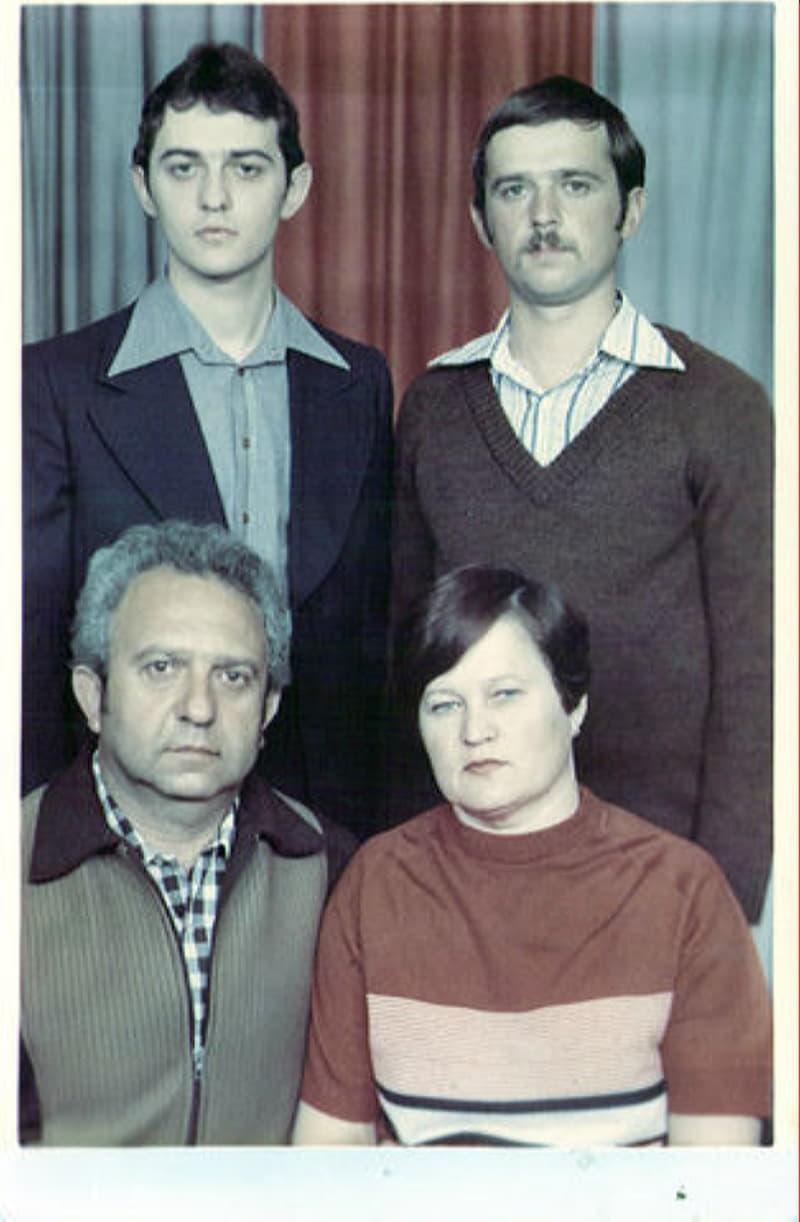 Владимир Файнбег с женой и сыновьями