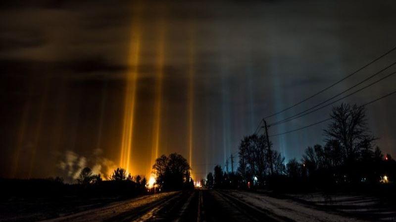 """""""Светящиеся столбы"""", которые часто связывают с НЛО"""