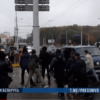 В Минске мужчина бросил в милиционера коробку с мусором